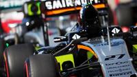 Vůz Force India VJM09 - Mercedes po kvalifikaci v Austinu