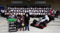 Hromadná fotografie týmu Haas v Austinu