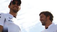 Fernando Alonso a Jenson Button v Austinu