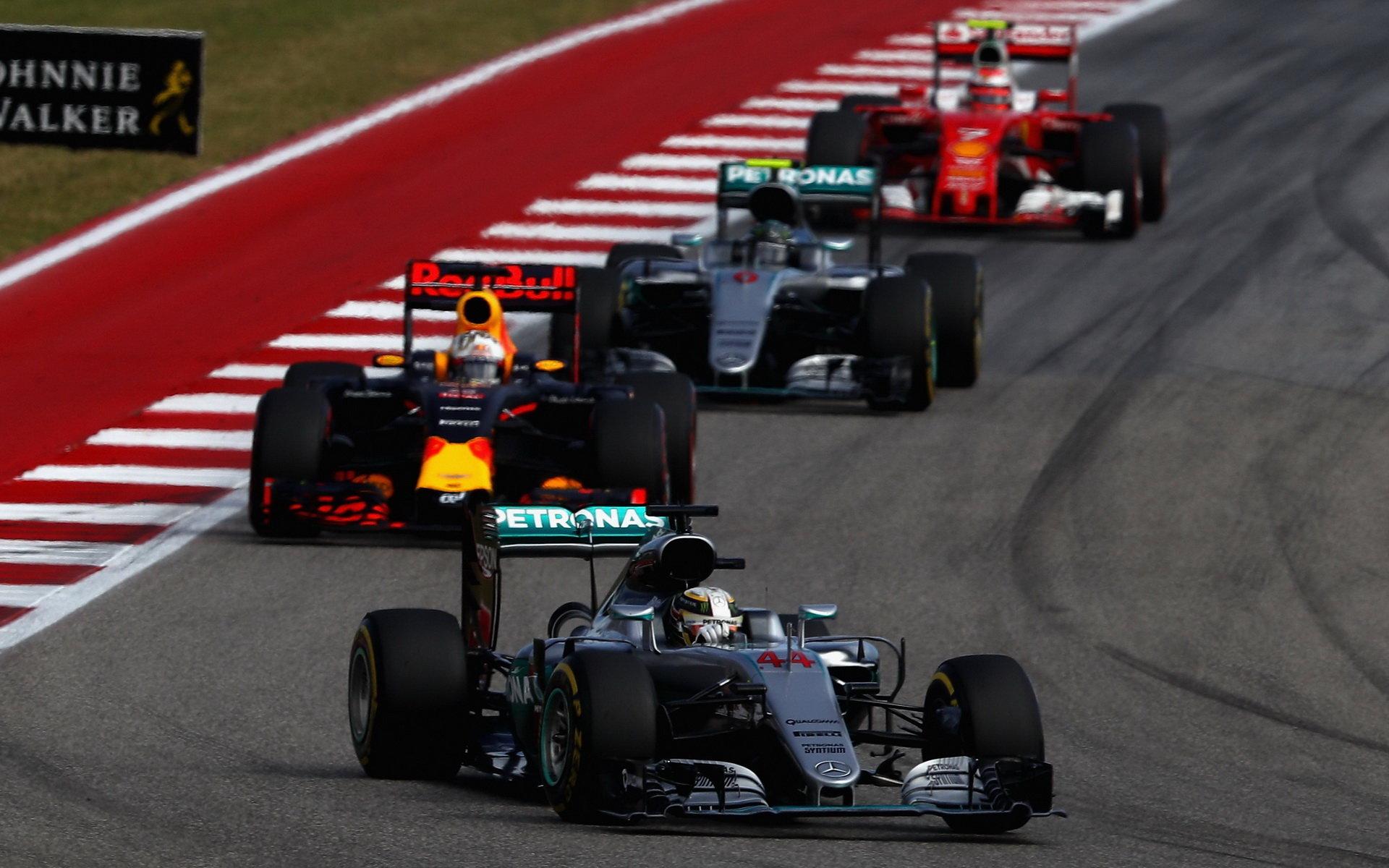 GP USA vyhrál Hamilton, příliš si ale v boji o titul nepomohl - anotační obrázek