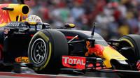 Daniel Ricciardo v závodě v Austinu