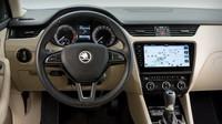 Škoda Octavia připomíná po modernizaci starší Mercedes-Benz třídy E.