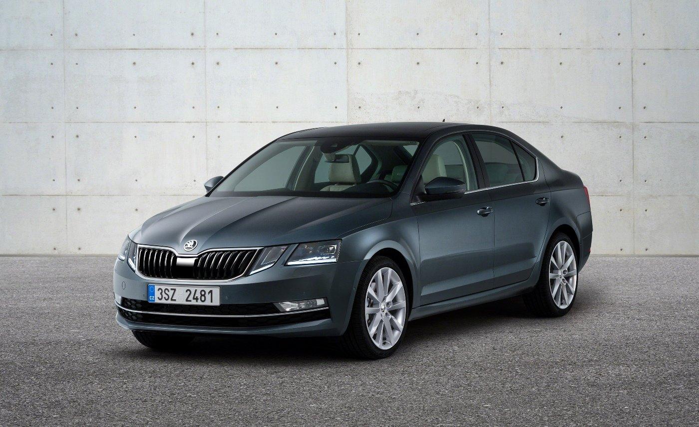 Škoda Octavia s faceliftem úplně změnila identitu. Stává se Mercedesem pro chudé - anotační foto
