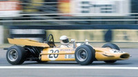 Derek Bell s McLarenem M9A v GP Velké Británie 1969
