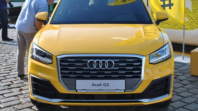 Audi SQ2 je realitou. V Německu se již pilně testuje na okruhu - anotačné foto