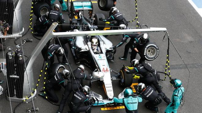 Lewis Hamilton v boxech