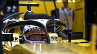 FIA zamýšlí zeštíhlit centrální sloupek Halo konceptu