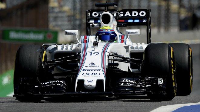 Felipe Massa v prvním tréninku, na zadním křídle nápis Děkuji (Obrigado)
