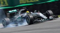 Lewis Hamilton probrzdil v kvalifikaci v Brazílii