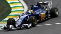 Marcus Ericsson v kvalifikaci v Brazílii