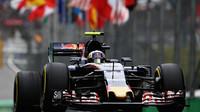 Carlos Sainz v kvalifikaci v Brazílii