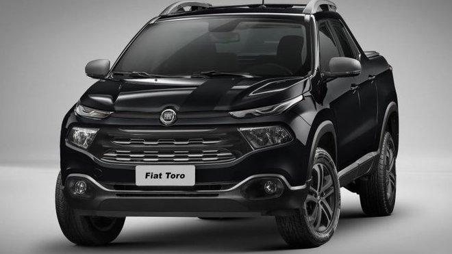 """Fiat Toro dostal 2,4litrový motor a """"černou"""" edici - anotačné foto"""