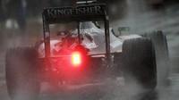 Nico Hülkenberg počas deštivého závodu v Brazílii