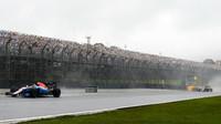 Pascal Wehrlein počas deštivého závodu v Brazílii