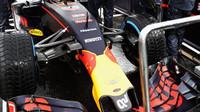 Max Verstappen se připravuje na další část deštivého závodu v Brazílii