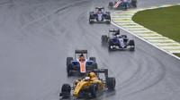 Kevin Magnussen počas deštivého závodu v Brazílii