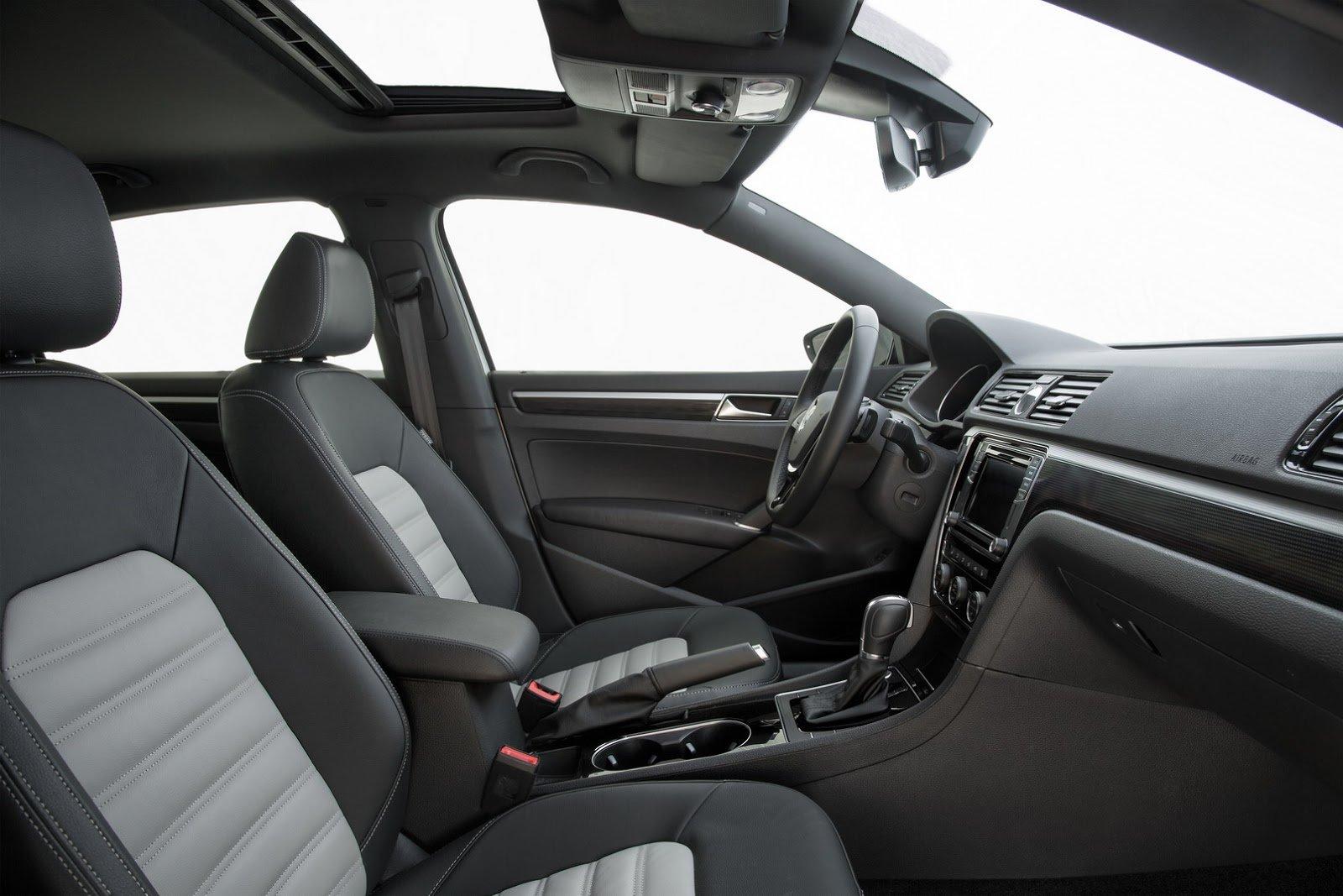 Volkswagen Passat GT ukazuje trochu sportovních ambicí sedanu střední třídy.