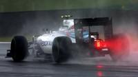 Pirelli dostalo jeden mokrý test pneumatik před sezónou navíc. Na co se zaměří? - anotační foto
