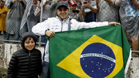 Felipe Massa se svým synem po Velké ceně Brazílie 2016, kdy měl původně v F1 skončit