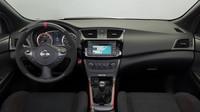 Nissan Sentra Nismo představuje vrcholnou verzi kompaktního sedanu.