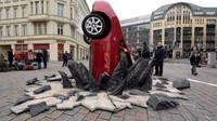 Nabouraná Toyota Prius v Berlíně - Grand Tour (TV pořad Amazonu)
