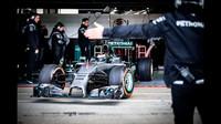VIDEO: Jorge Lorenzo prohnal po Silverstone F1 vůz Mercedesu. Jak mu to šlo? - anotační foto