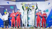Vítězné duo týmu Aston Martin Racing Marco Sorensen a Nicki Thiim