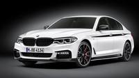 Nové pětkové BMW už dostalo první tovární tuning. O kolik narostl výkon? - anotační obrázek