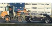 Snímek nabouraného Bugatti Chiron budí spekulace. Co se stalo?