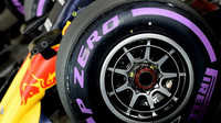 Ultra-měkké pneumatiky v kvalifikaci v Abú Zabí