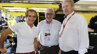 Alain Prost na návštěvě u Renaultu při kvalifikaci v Abú Zabí