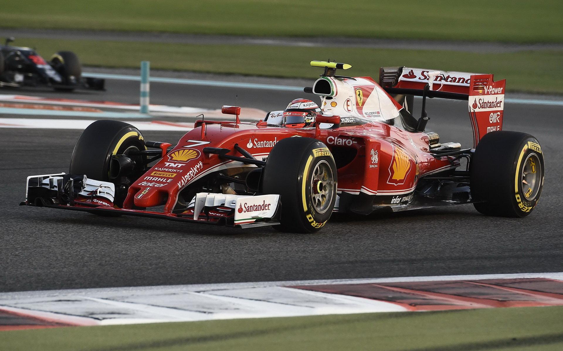 Kimi Räikkönen v závodě Abú Zabí