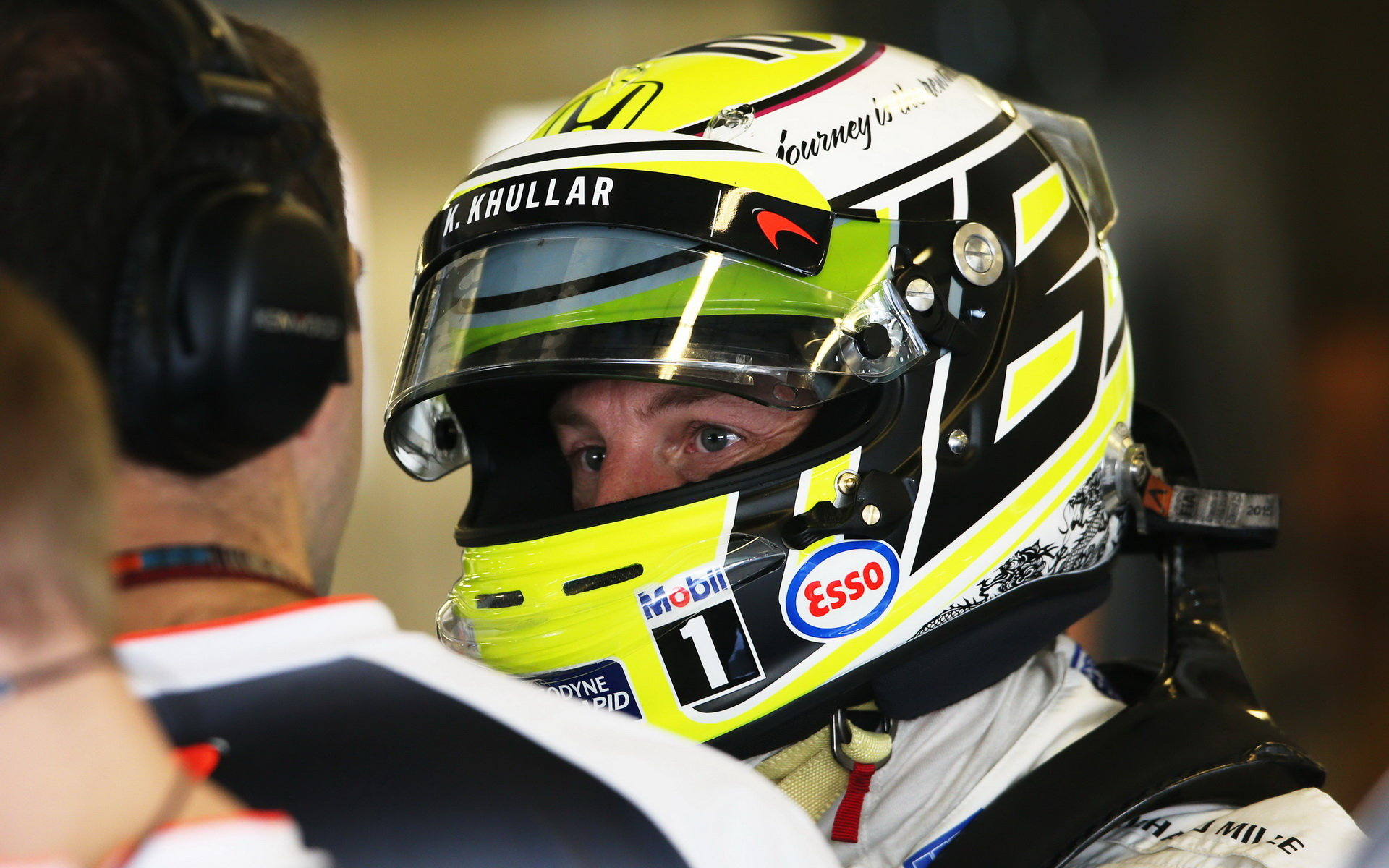 Jenson Button v přilbě, která připomínala rok 2009 - jeho mistrovský