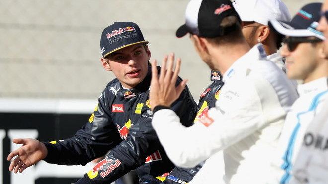 Jenson Button v rozhovoru s Maxem Verstappenem