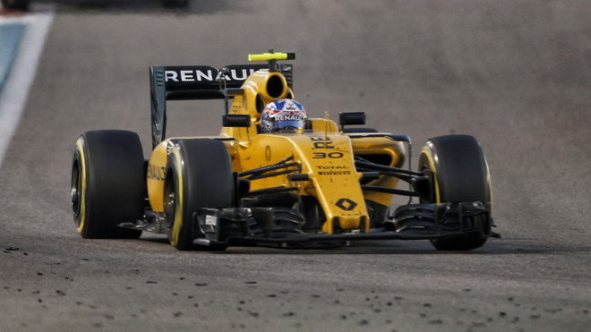 Jolyon Palmer v závodě v Abú Zabí