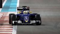 Marcus Ericsson v závodě Abú Zabí
