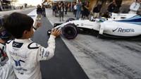 Syn Felipeho Massy posílá tátu do svého posledního závodu v Abú Zabí