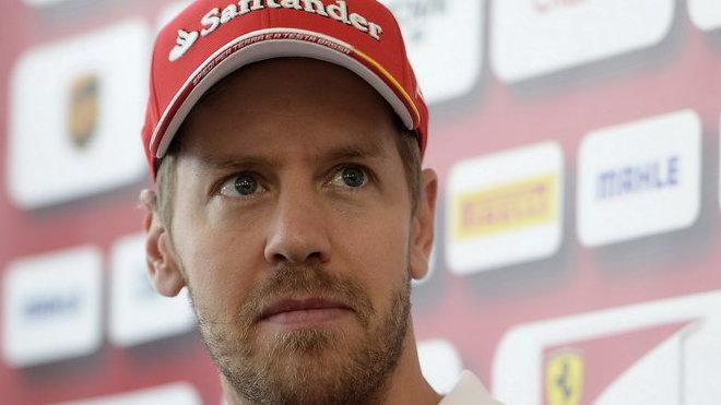 Sebastian Vettel vidí jako příčinu poklesu Ferrari nevyvedený začátek roku