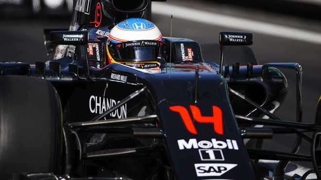 Fernando Alonso s McLarenem MP4-31