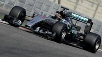 Pascal Wehrlein při testování pneumatik s Mercedesem