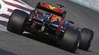 Daniel Ricciardo při testu pneumatik pro rok 2017