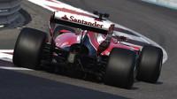 Kimi Räikkönen s Ferrari testuje v Abú Zabí širší pneumatiky pro sezónu 2017
