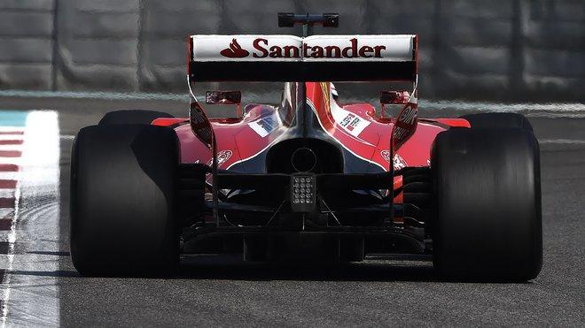 Ferrari v posledním testu pneumatik pro rok 2017 v Abú Zabí