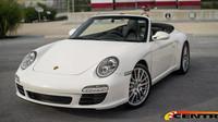 """Uhodnete, co je na tomhle Porsche 911 Cabriolet """"špatně""""? - anotační foto"""