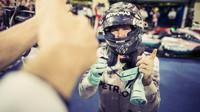 Nico Rosberg a radost po dojezdu do cíle