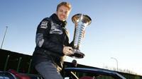 Nico Rosberg s pohárem mistra světa