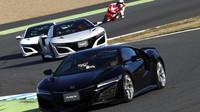 Fernando Alonso s Hondou NSX vede pole dalších jezdců