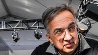 Marchione je přesvědčen, že Ferrari žádnou technickou posilu nepotřebuje - anotační obrázek