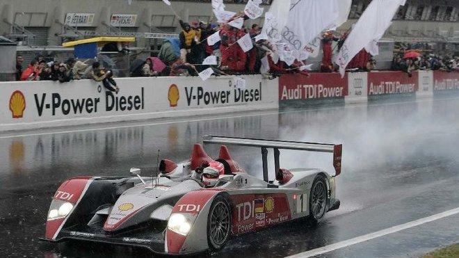 Audi R10 TDi vítězí v Le Mans 2008