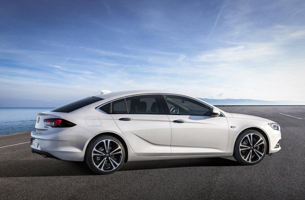 Opel Insignia Grand Sport je jednou z hlavních novinek letošního roku.